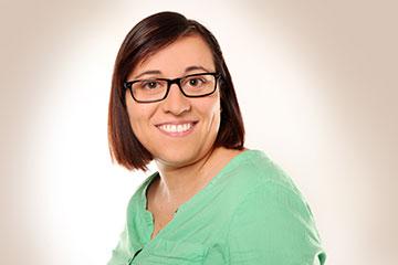 MyPlastics Mitarbeiterin Simone Rieß freut sich auf Ihren Anruf.